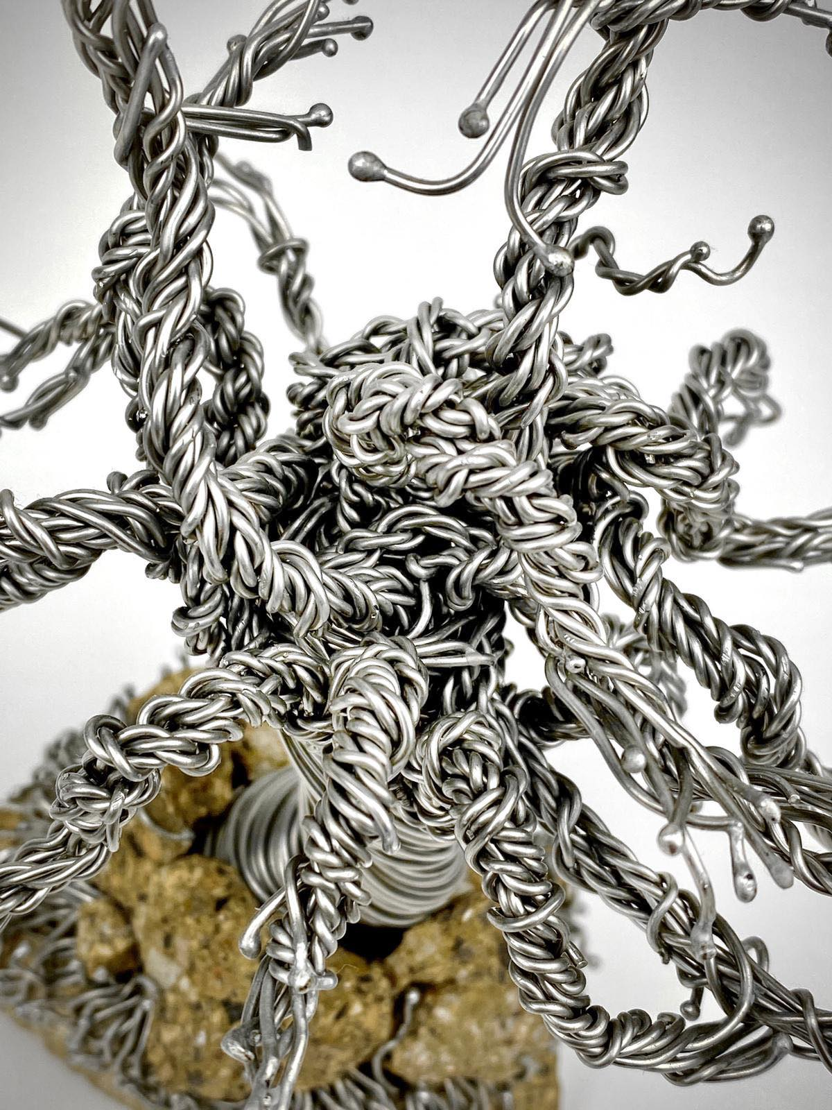 staying-strong-wire-sculpture-plan-view-by-weaam-hassan